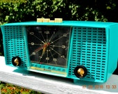 PURE TURQUOISE Mid Century Retro Jetsons Vintage 1956 Firestone Model 4A-191 AM Tube Clock Radio True Survivor!