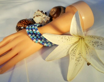 Pearly Blue and White Memory Wire Bracelet