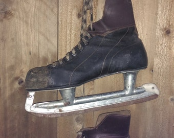 Vintage Ice Hockey Skates Mens Black Brown Leather Dr Love Rustic Winter Christmas Door Decoration Holiday Distressed Wedding Valentines