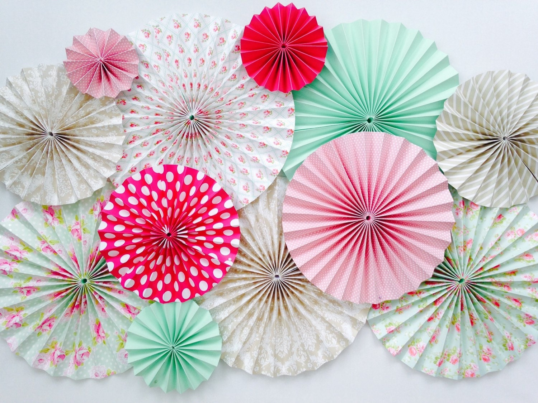 paper fan decorations Diy kraft paper fans backdrop / abanicos de papel ( party decoration - decoracion de  paper flower backdrop rose  party decoration / decoracion de.