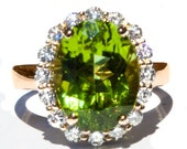 Gorgeous AAA Kashmir Peridot & Diamond Ring
