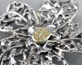 Esmerelda Carlisle: Filigree Silver Flower Brooch With EC Initials in Gold  LU2V7N-D