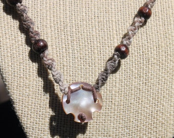 Hemp Shell Mini-macrame necklace