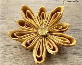 Gold and Beige Kanzashi Flower - Brooch 292