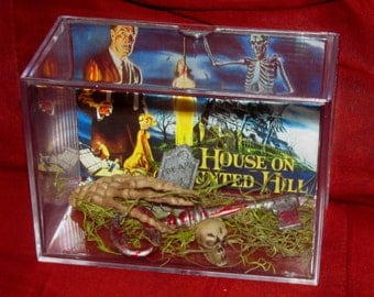House on Haunted Hill Display...New..Look at Pics Closely,,,Cool Gift...