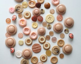 60 mixed beige buttons Beige sewing buttons Beige buttons set Lot of beige buttons Used beige buttons Vintage buttons beige