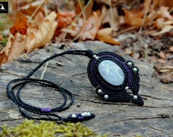 Rainbow Moonstone Macrame Necklace, Moonstone Macrame Pendant, Goddess macrame Necklace, Gothic Moonstone Necklace, Micromacrame Moonstone