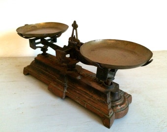 French Vintage Iron Kitchen Scale - Epicerie Weighing Scale 1930