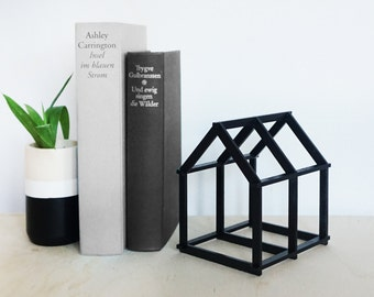 Geometric House - black - Home Decor