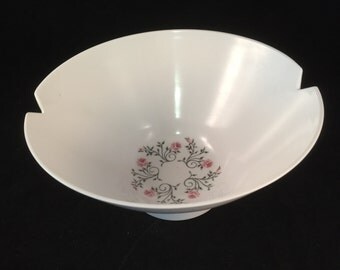 Large Harmony House Melmac Flower Serving Bowl, Made by Bernadotte