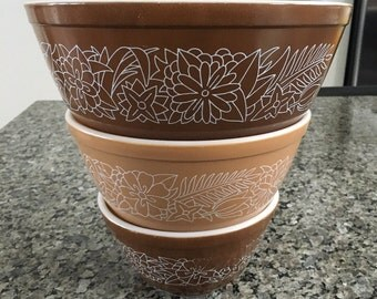Pyrex Woodland Mixing Bowls
