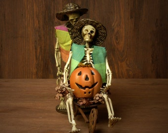 Funny Miniature Skeletons for Halloween for your Dollhouse
