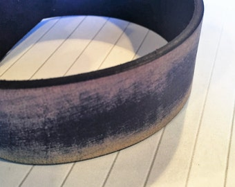 "Pre cut, no joins, 23"" 30mm Vintage Dark Purple Leather Cord"