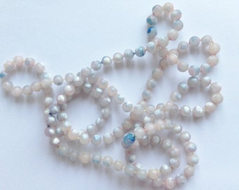 Necklace - long pearly cream and blue mauve plastic beads necklace great vintage costume jewellery