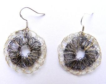Boucles d'oreilles rondes noir argent faits au crochet // Bijoux au crochet made in France // Boucles d'oreilles pour fille