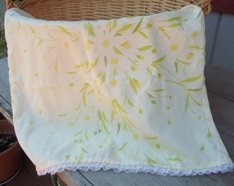 Vintage Daisy pillowcase with lace trim Made in the USA