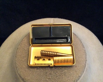 Vintage Small Razor With Case