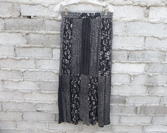 Vintage Boho Skirt Indian Free Waist Black White Floral Hippie Gypsy Street London