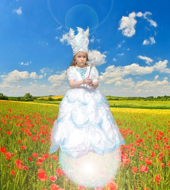 Glinda Good Witch Costume  sc 1 st  Myshelle.com & Fun Family Dress Up Ideas Halloween - Myshelle.com