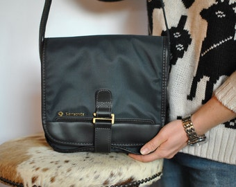 Vintage SAMSONITE MESSENGER BAG , cross body bag ...(320)
