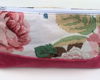 Vintage fabric pouch / makeup bag