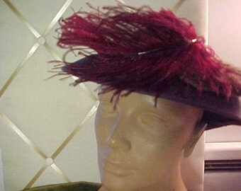 """1940s vintage grey felt hat, with feathers.  Size 24"""".  #925"""