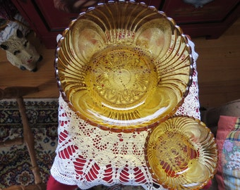 vintage amber colored chip bowl and dip bowl