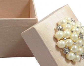 Bllush Silk Favor Box With Pearl Brooch Embellished, Duponi Silk, For A Special Thank You, A Set Of 20