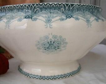 Antique french teal transferware tureen. Teal blue french transferware. Choisy le Roi. Antique soup tureen. Art nouveau