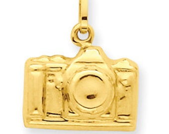 3-D Camera Charm (JC-047)