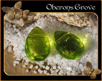 10 light green coloured tear drop beads 8x11mm