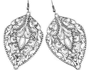 Beautiful Vintage-Looking Filigree Earrings, Worn Silver Filigree Earrings, Filigree Earrings