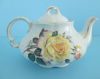 Arthur Wood & Son English Teapot, Ellgreave #472B