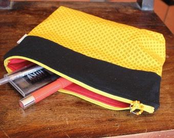 Purse organizer , Cosmetic bag ,  Make-up bag , Zipper pouch , Travel bag , Pencil case , Clutch bag , Handmade linen clutch , Rickilu bag .