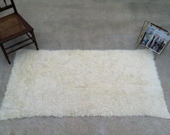 "THICK & Plush!! 75"" x 37"" WOOL/SHEEPSKlN Throw Rug or Underlay/Thick, Dense, Soft, Creamy Ivory Flooring/Rug/Bedroom/Living Room, ANYWHERE!!"