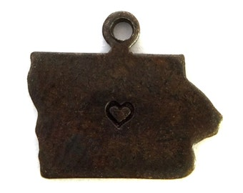 2x Antique Brass / Brown Patina Iowa State Charms w/ Hearts - M073/H/AB-IA