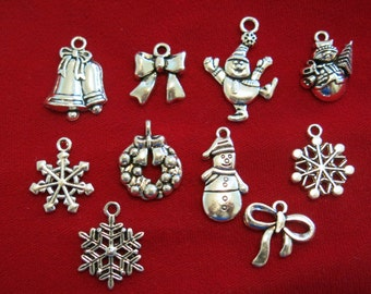 "10pc set ""Christmas"" charms in antique silver style (BC834)"