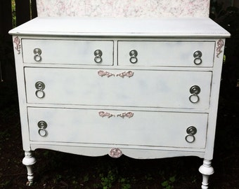 Charming Antique Painted Cottage-Chic 4-Drawer Dresser
