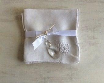 4 Vintage White Linen Dinner Napkins With Dainty Needlework