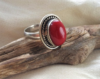 Vintage Southwestern Navajo Gypsy Sterling Silver Red Coral Ring Size 10