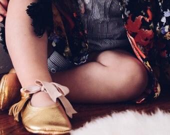 Mary Jane Baby Moccasins Gold Leather Spring Summer infant & Walker