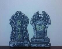 Halloween headstone decor