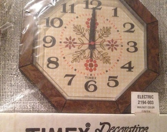 25% off customer app 1970's vintage Timex Electric clock nos sealed perfect