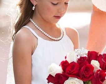 Flower Girl Jewelry Set Bridal Pearls Junior Bridesmaid Jewelry Child Pearl Necklace Vintage Style Pearl Necklace Clip On orPierced Earrings