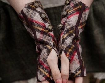Wristwarmers, fingerless gloves, Rustic Wristwarmers, Brass button Detail, Fairy Gloves, Mori Kei, Steampunk Wristwarmers,