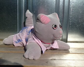 Large Vintage 80s POUND PURRIES Cat with Outfit