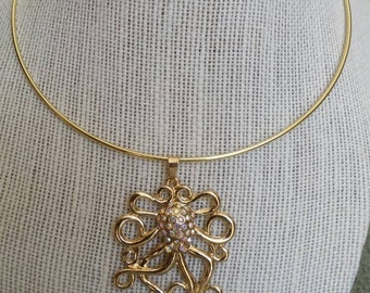 Octopus necklace, royal octopus