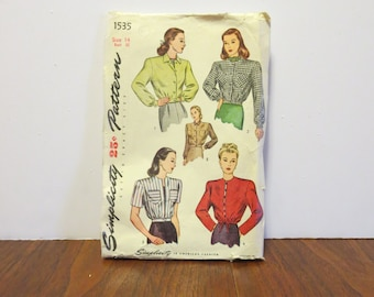 """Vintage 1940s Simplicity pattern 1535 jacket size 14 bust 32"""" waist 26 1/2"""" hips 35"""" complete with directions"""