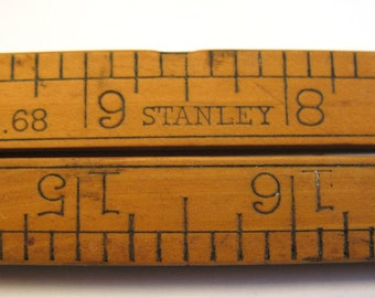 Vintage Stanley Rule & Level Co. #68 Folding 2ft Boxwood ruler Carpenters ruler with brass fittings New Britain, Conn. Made in USA. B