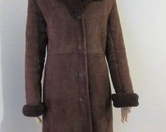 VERY BEAUTIFUL Vintage 1960's Womens Sheepskin Coat - Chest